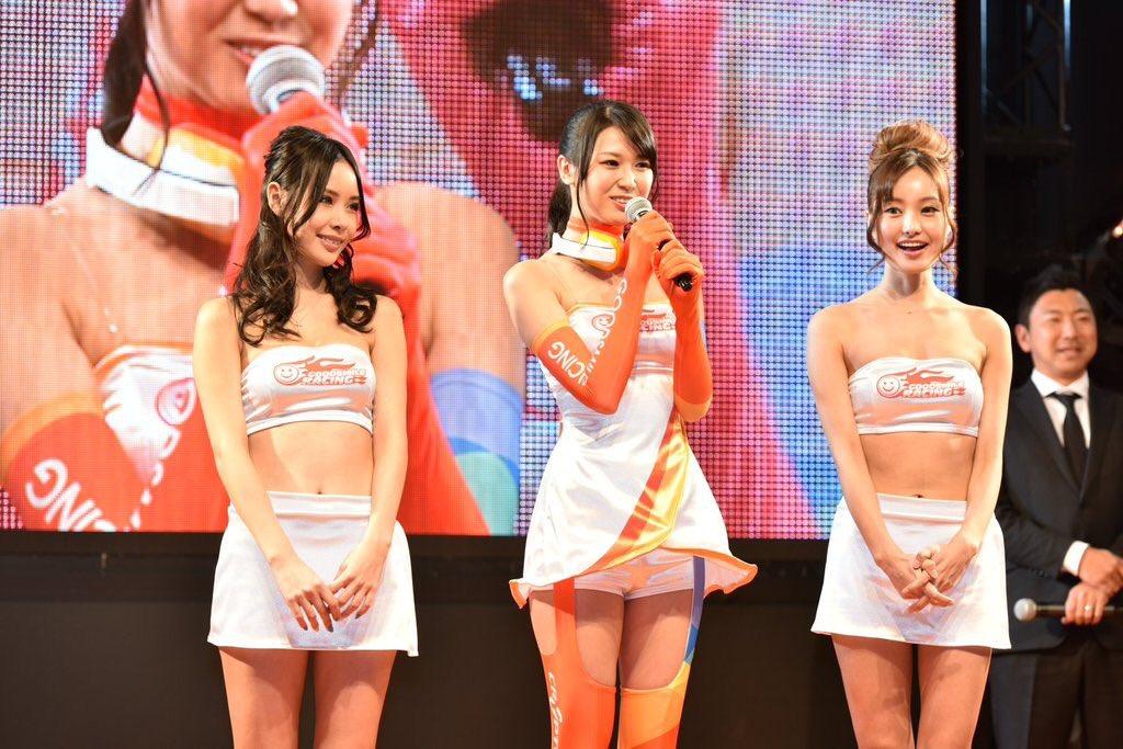 Good Smile Racing's Racing Queen Outfits for 2016. Source: https://twitter.com/22tuttu/status/696173409974112259