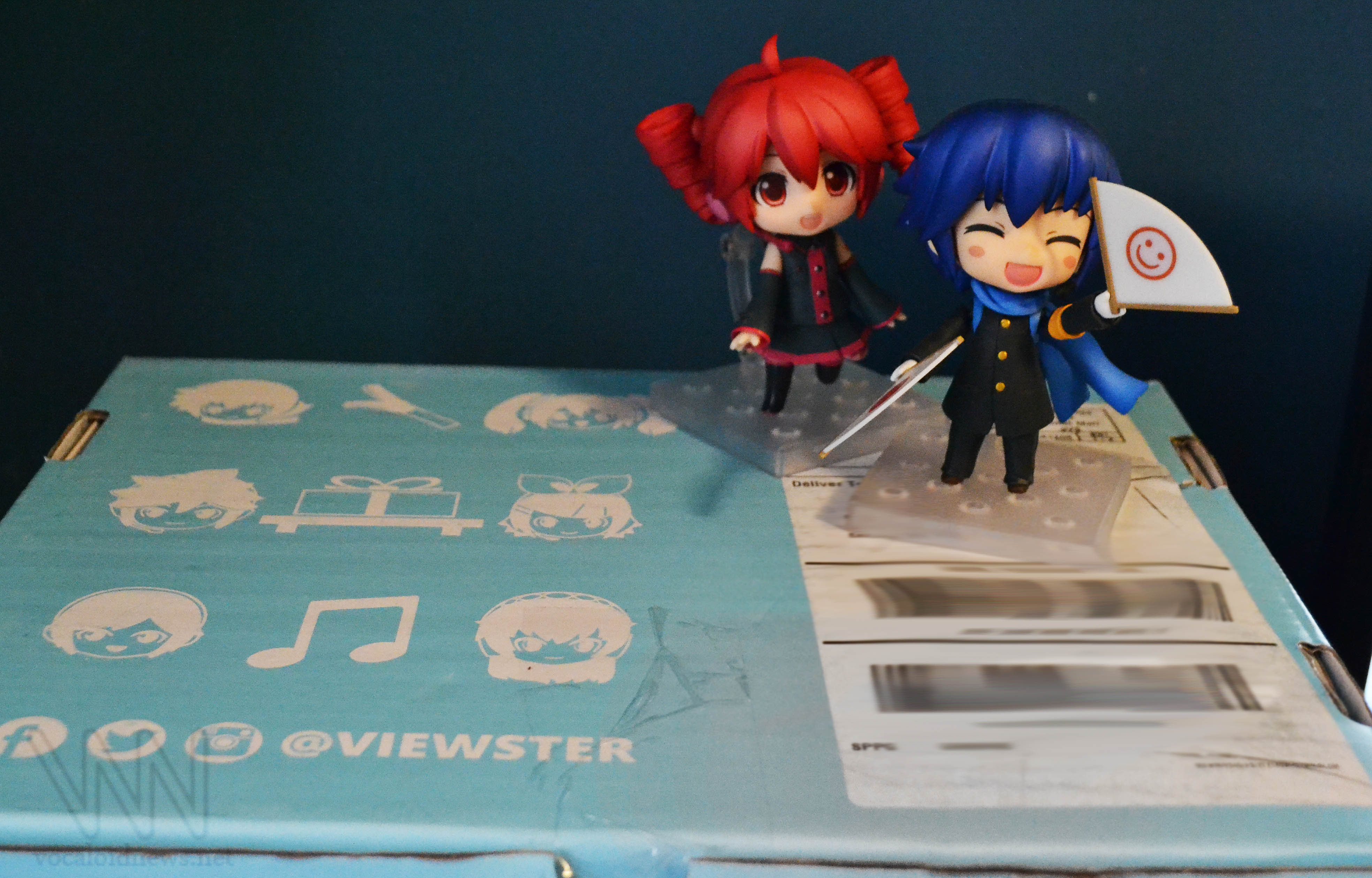 The box itself. (Nendos are for scale and an increased level of cuteness)
